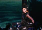 Madonna à l'Olympia : « Vous cherchez une place ? C'est 300 € ! »