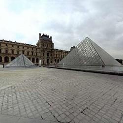 La nouvelle entrée, pyramides de Ieoh Ming