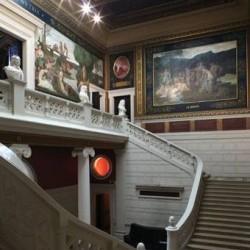 Escalier d'honneur du musée de Picardie