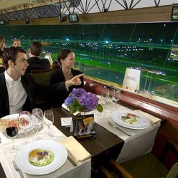 Un des restaurants panoramique de l'hippodrome