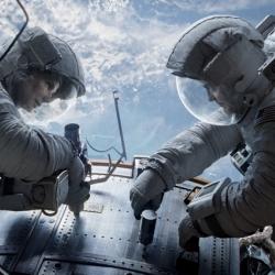 """Sandra Bullock et George Clooney dans """"Gravity"""", le nouveau thriller d'Alfonso Cuarón, en salles le 23 octobre"""