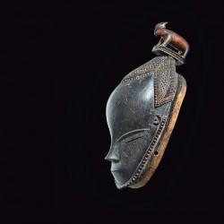 Masque avec animal (bélier). Maître de Bouaflé, Côte d'Ivoire, sud du pays guoro, XIXe siècle.