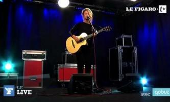 """Selah Sue chante """"Always Home"""" dans le live du Figaro"""