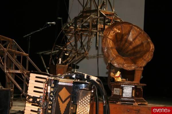 Phonographe et accordéon... singularité des Ogres